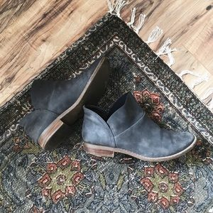 AEO ankle booties
